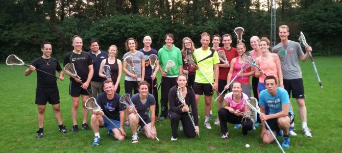 Lacrossen met volleyballers, dat is lachen