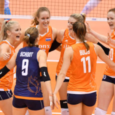 Support de Volleybaldames in Apeldoorn naar Tokio!